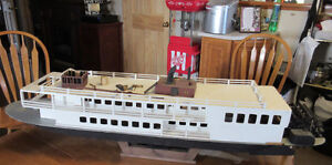 CREOLE QUEEN RIVER BOAT MODEL KIT