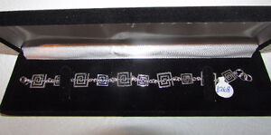 Sterling Silver Bracelets in Velvet Gift Box - NEW Gatineau Ottawa / Gatineau Area image 9