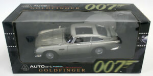 1:18 Autoart Aston Martin DB 5 James Bond 007 Goldfinger Weapons