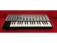 Korg MicroKONTROL Midi Keyboard/Studio Controller w/ MPC