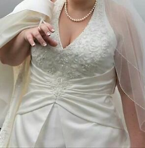 Beautiful Halter Wedding Dress
