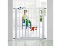 1 X Lindam Easy-Fit Plus Deluxe Safety Gate by Lindam