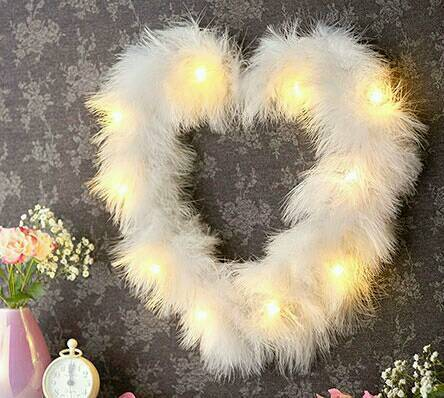 Led Feather Heartin Hull, East YorkshireGumtree - Led Feather Heart £10Fabulous white feather heart with LEDs to add a touch of glamour. Requires 2 x AA batteries (not included). H25 x W30 x D5cm
