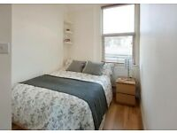 AVAILABLE NOW..... Lovely 3 bed New Cross