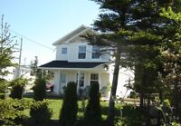 Country/ocean setting, beach access, 2 bdrm house 15 min to city