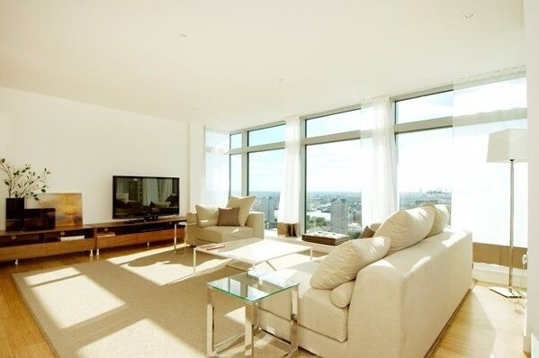 luxury, 3 bed, 2 bath,1624 Sq Ft,CLOSE TO CANARY WHARF,28TH FLOOR,CINEMA,GYM, DLR, PRIVATE BALCONY