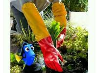 Pond cleaning gloves