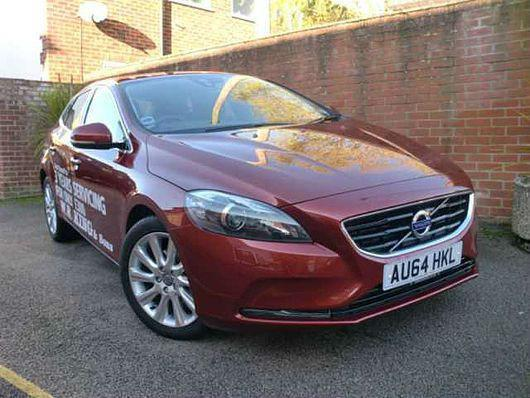 volvo v40 se lux d2 1 6 s s diesel manual 5 door hatchback red 2014 in saxmundham suffolk. Black Bedroom Furniture Sets. Home Design Ideas