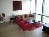LUXURY 2BED, 2BATH, designer furnished, wood floor, 24hr porterage, lift, allocated parking NEAR DLR