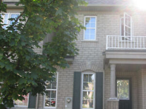 RICHMOND HILL TOWNHOUSE FOR RENT 3 BEDROOM 4 BATHROOM Yonge/Hwy7
