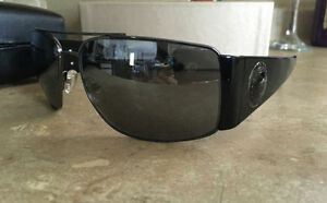 Versace BRAND NEW sunglasses with box & contents $150 FIRM
