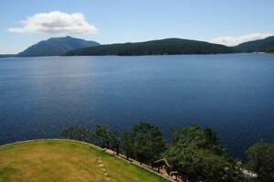 Spectacular Waterfront Home: 3 bdrms 3 full baths- Maple Bay