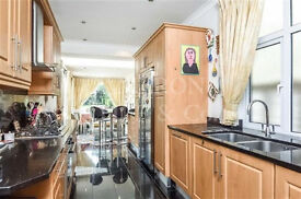 IMMACULATE 4 BEDROOM HOUSE TO LET