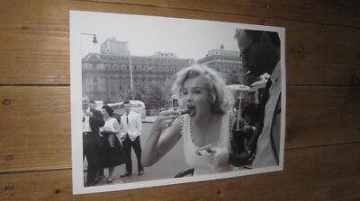 Marilyn Monroe Hot Dog POSTER