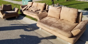 FREE : 3 piece lounge suite, with cushions. Well used.