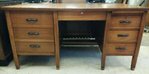 1930's /1940's ASH WOOD TANKER / TEACHER OFFICE DESK VINTAGE