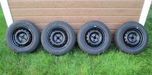 4 pneus d'été Hankook H724 175 70R14 montés sur jantes Hyundai