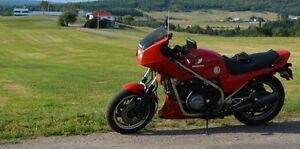 Honda 750 VFR needs a new home. Reduced from $1499