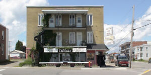 LOCAL COMMERCIAL A LOUER      2991 B0ULV. DES HETRES SHAWINIGAN