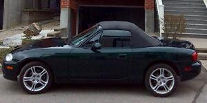 2004 Mazda MX-5 Miata Convertible