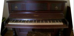 Piano / upright piano