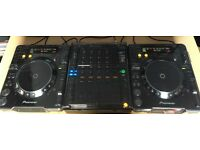 A Pair of Pioneer CDJ 1000 Mk3's & Pioneer DJM 800 Mixer. Comes with Decksaver Covers