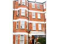 4 bedroom flat in Brixton, London, SW9 (4 bed)