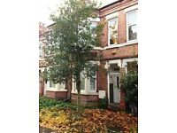 4 BEDROOM STUDENT HOUSE CHURCH GROVE LENTON CLOSE TO QMC, UNI AND CITY, FURNISHED.