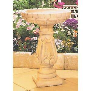 Pigna Concrete Garden Birdbath - 78cm