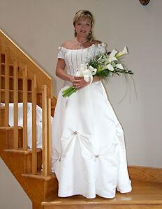WEDDING DRESS SIZE 10 Gatineau Ottawa / Gatineau Area image 3