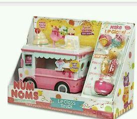 Nom nums lip gloss truck