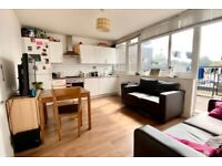 3 BED/TOP FLOOR/OPEN PLAN KITCHEN LOUNGE/PRIVATE TERRACE/EXCELLENT LOCATION