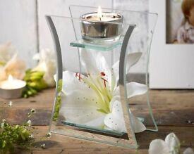 Hestia Lily Glass Tealight Holder
