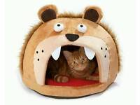Lion's Head Cat Bed