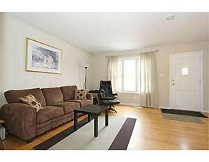 4 Bedroom House Near UW and Bus Route - 1 MONTH FREE RENT