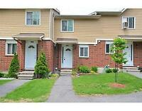 Priced to Sell - Two Bedroom Townhouse Condo in Orleans!