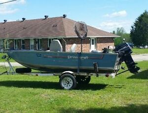 Princecraft resorter fishing boat in excellent condition