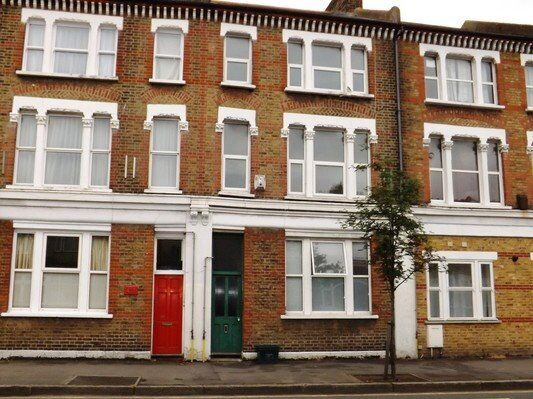 """Two Floors for the price of 1 - £1275 pcm - Large 2 Bed SW""""0"""