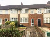 Available Now!!! Three Bedroom House Near Wimbledon Chase Train Station - Great Links to Central!