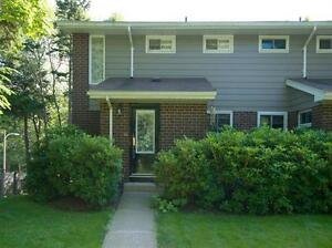 Condo Townhouse - Walk out to back yard, close to transit!