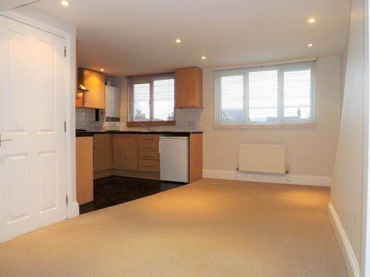 2 BEDROOM APARTMENT AVAILABLE NOW!!
