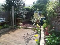 ** FANTASTIC 2 BED 2 BATH COTTAGE WITH BACK GARDEN, ISLE OF DOGS, E14 - AW