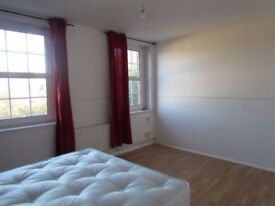 Beautifully furnished room in prime location near east croydon station