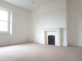 2 BED UNFURNISHED SPACIOUS 2 BED WITH VIEWS OF THE COMMON £1300 PCM