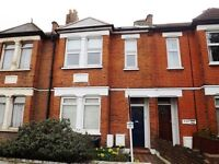 One Bedroom Garden Flat, Walking Distance to Raynes Park Station