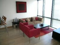 2 bedroom flat in No1 West India Quay, 26 Hertsmere Road, Canary Wharf E14