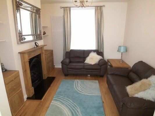 STUNNING 2 BED COTTAGE CAHIR STREET E14 CANARY WHARF MUDCHUTE CROSSHARBOUR SOUTH QUAY DOCKLANDS