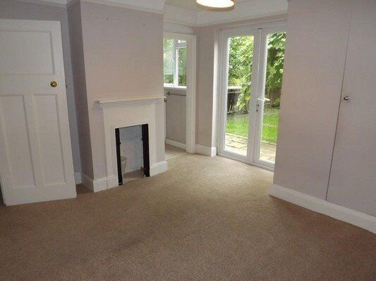 Double bedroom apartment - West Wimbledon