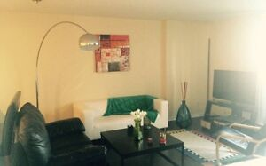 Studio NON MEUBLE a sous louer/UNFURNISHED bachelor to sublet