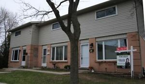 3 BEDROOM END UNIT TOWNHOUSE BACKING ONTO PRIVATE GREEN SPACE!